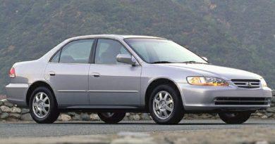 Tài xế xe Honda Accord bị thương sau nhiều lần thay túi khí trước vô lăng