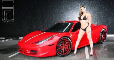 Những vẻ đẹp sexy bên siêu xe Ferrari - Ảnh người đẹp và siêu xe 2017