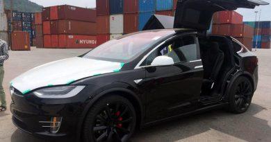 Siêu xe Tesla Model X - Hàng hiếm ở Việt nam giá 3, 7 tỷ đồng