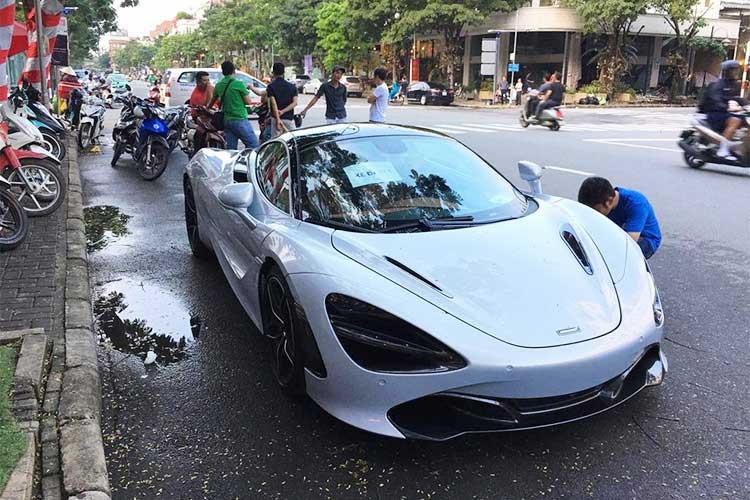 siêu xe tiền tỷ lần đầu xuất hiện trên phố sài gòn