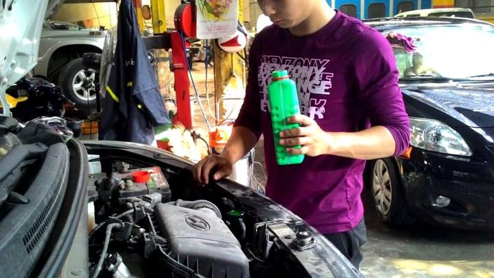 cách giảm nhiệt cho ô tô trong thời tiết nắng nóng