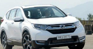 Honda CR-V thế hệ thứ 5 có giá bán từ 973 triệu đồng.