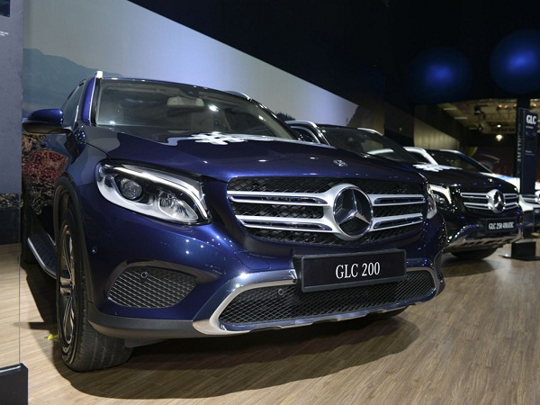 Gian trưng bày xe Mercedes-Benz GLC tại triển lãm