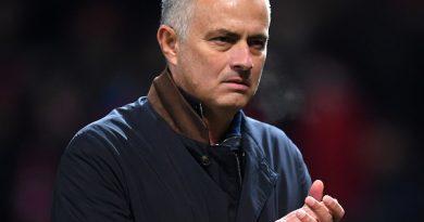 Mourinho kết thúc tranh cãi về Ronaldo và Messi