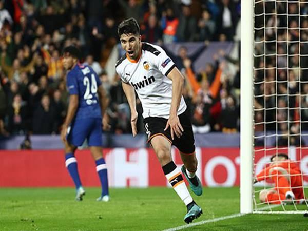 Valencia 2-2 Chelsea: Chelsea vẫn chưa có vé