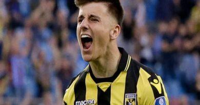 Chuyển nhượng BĐ Anh 23/3: Chelsea đã cho Vitese mượn tới 29 cầu thủ
